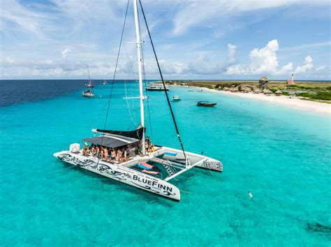 Klein Curacao-Blue Finn Catamaran - Excursions & Events