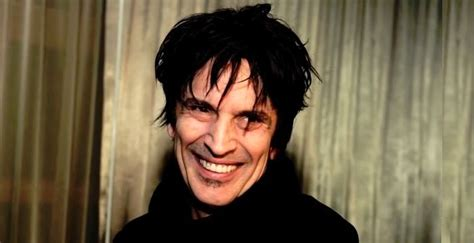 Tommy Lee Biography - Childhood, Life Achievements & Timeline