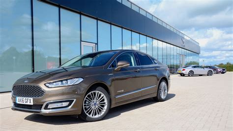 Ford Mondeo Vignale Hybrid Review - GreenCarGuide
