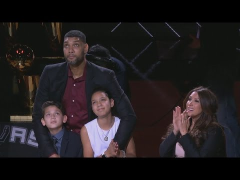 Tim Duncan Brought His Daughter to a Spurs Game - Sports