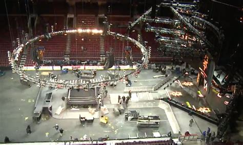 Amazing time-lapse video shows how a WWE set is built