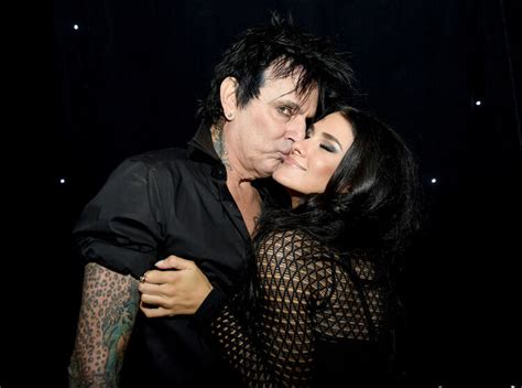 Tommy Lee Pranks Fans With Surprise Marriage | Christie