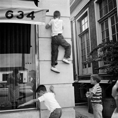 'Vivian Maier: A Photographer Found,' and More - The New