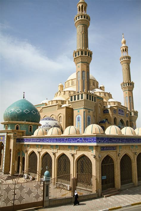 Jalil Al Khayat Mosque | There are more than 300 mosques