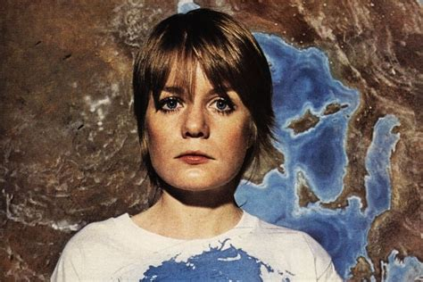 Talking Heads Bassist Tina Weymouth's Electrifying Style