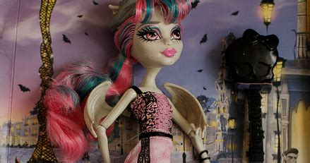 Monster High Bolt: Rochelle Goyle Scaris baba, ÚJDONSÁG!