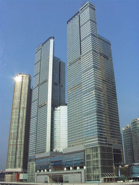 The Cullinan Towers — Wikipédia