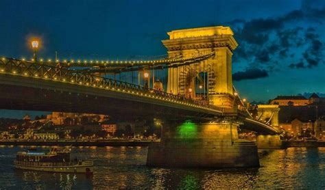 Széchenyi Chain Bridge, Budapest, Hungary - September 2016