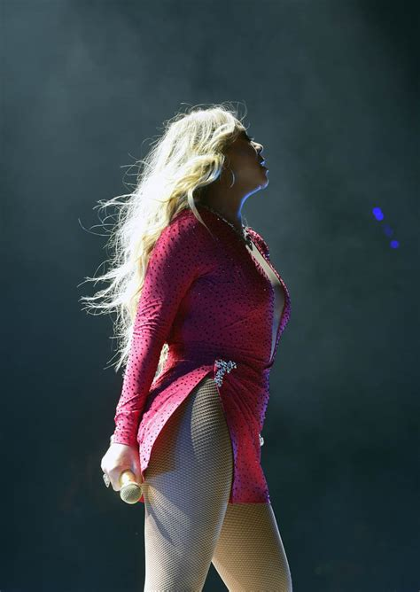 Mariah Carey performs in Mexico as it's reported she found